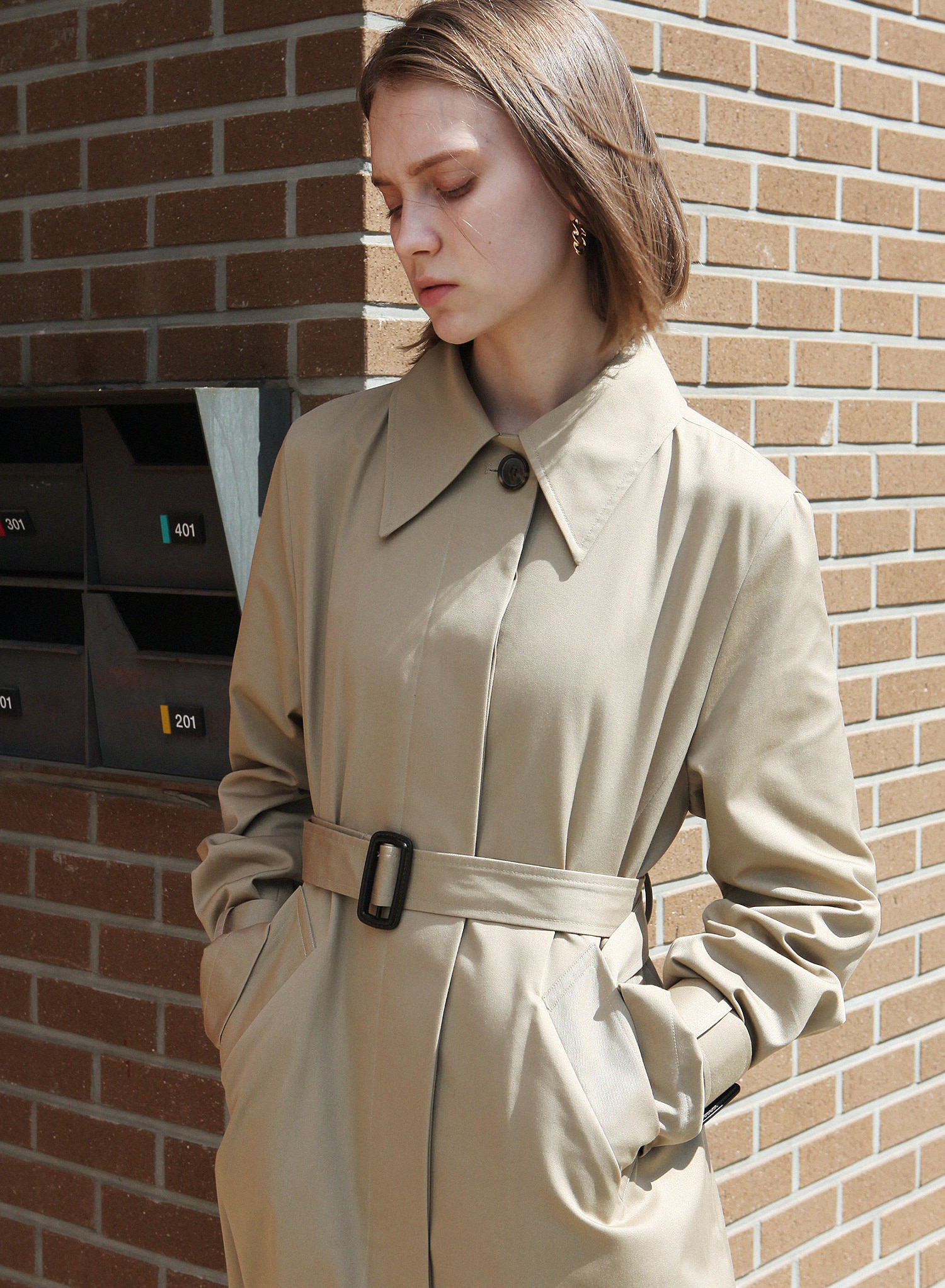 SINGLE SLIT TRENCH COAT / BEIGE